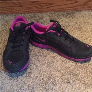 Like new Women's Nike's 8.5